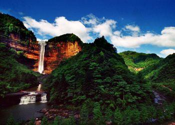 中国最大的心形瀑布
